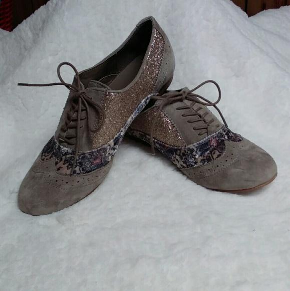 Women's Naughty Monkey Oxford shoes size 10